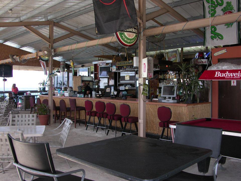 Kikita Beach guest house and Bar