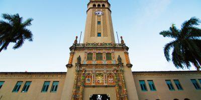 Torre_de_la_Universidad_de_Puerto_Rico._UPR